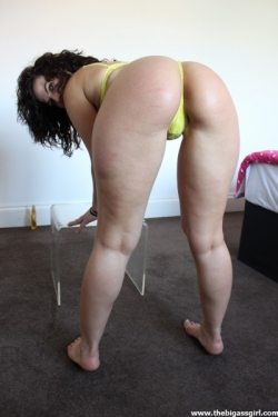 "The Big Ass Girl In ""Yellow Lingerie Oiled Booty"""